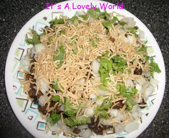 Whole Green Bengal Gram Chaat
