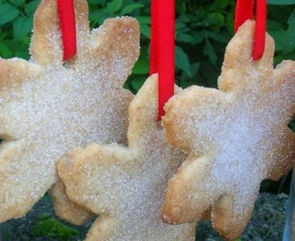 Chilli Christmas Shortbread Biscuits - We Should Cocoa #39