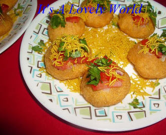 Masala Puri Chaat (Dry & With Chutneys)