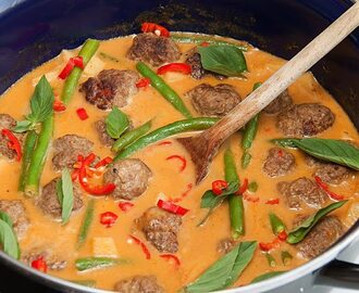 Thaise gehaktballetjes curry
