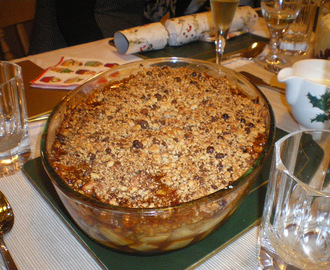 Blue Monday and Cheer-up Tuesday Comfort food: Pear and Apple Mincemeat Crumble