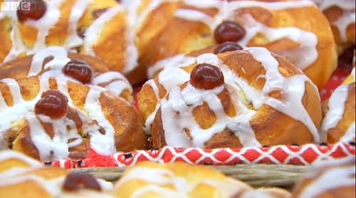 Cinnamon Fruit Buns: GBBO Week #7