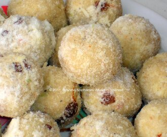 Rave unde/ laddu/Sweet semolina and coconut balls
