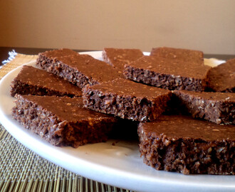 Brownies Light de Cacau com Cenoura e Laranja