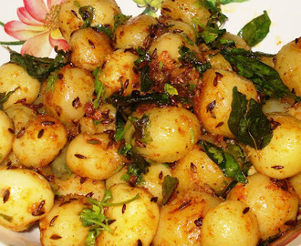 Baby Potatoes Dry Curry
