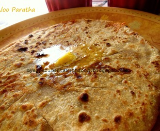 Aloo Paratha / Potato stuffed Parathas