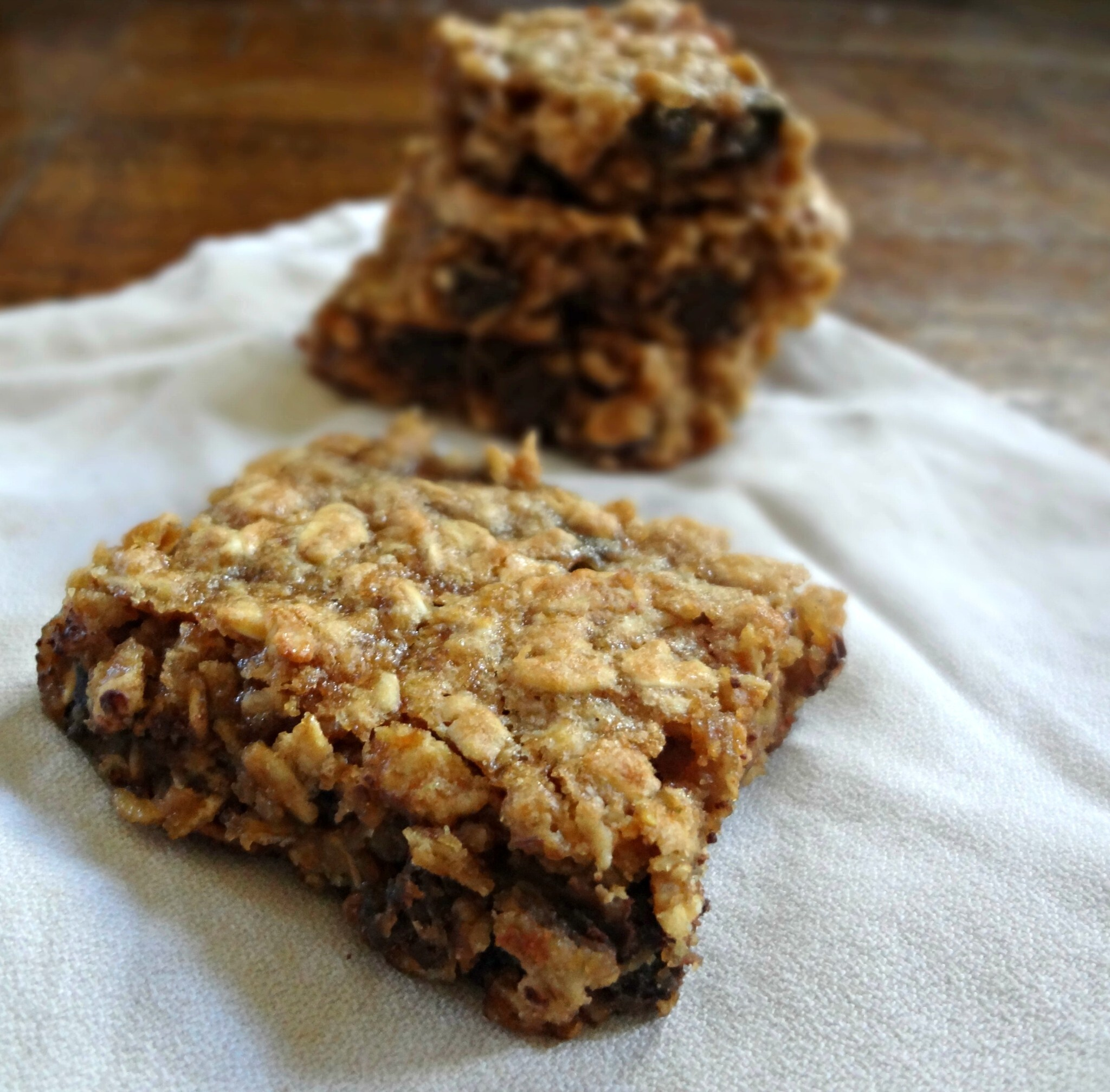 Gooey Peanut Butter Oatmeal Chocolate Chunk Bars (gluten free, dairy free, low fat)