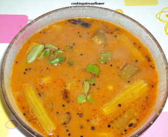 Varutharacha sambar/Sambar with fried coconut