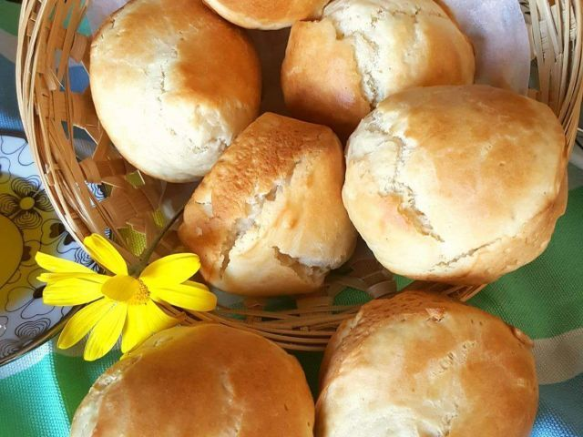 Easy 'No Yeast' Dinner Rolls