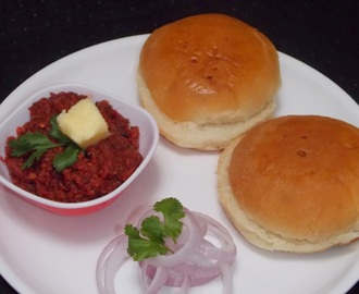 Healthy Pav bhaji (using beetroot and soya granules)