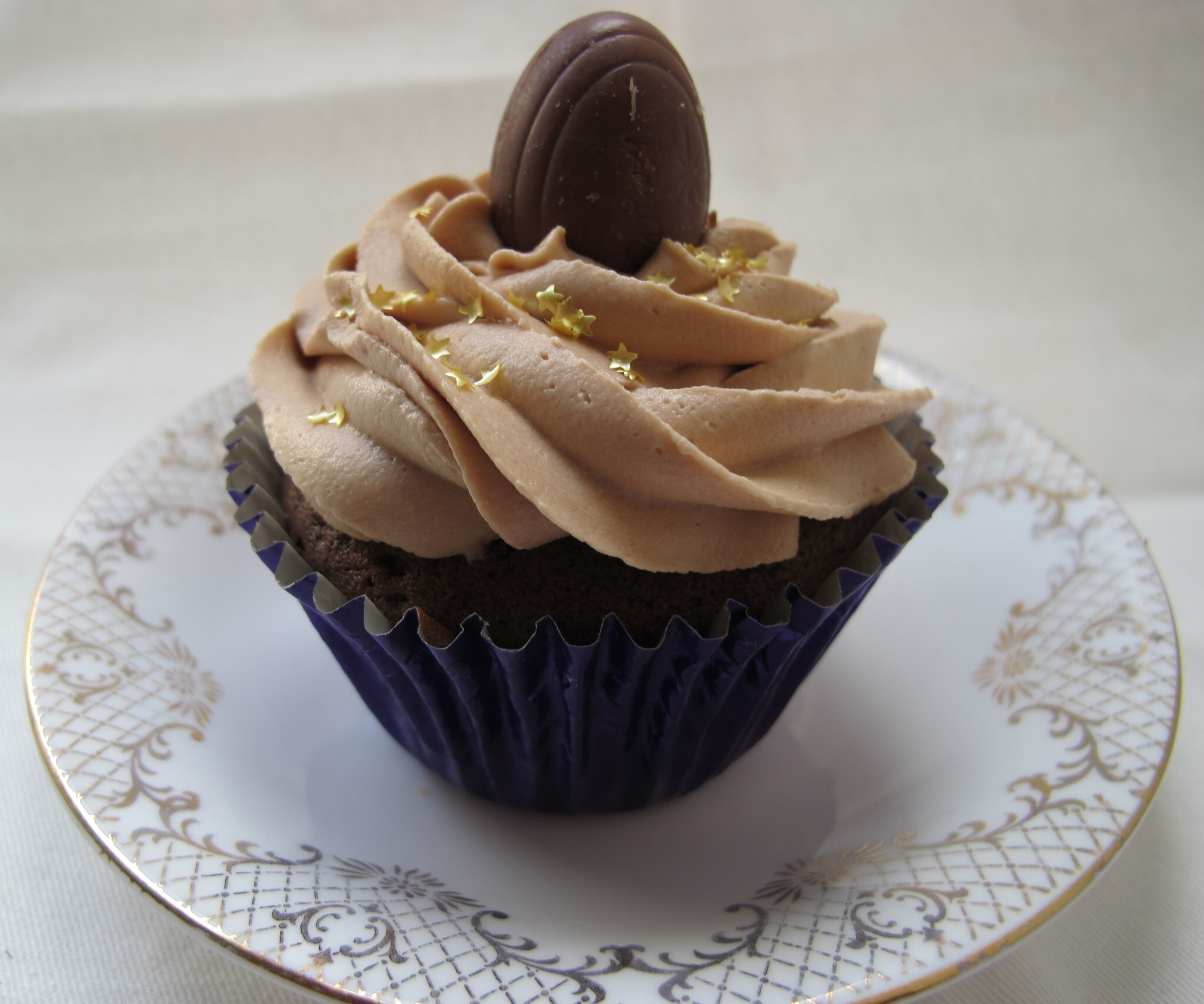 Cadbury's Creme Egg filled Cupcakes