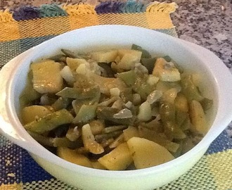 PAPAS Y VAINITAS (GREEN BEANS AND POTATOES)
