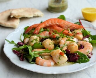 Easter Gourmet 5:2 Diet Recipe: Scallop and Prawn Platter with Chilli Herb Vinaigrette