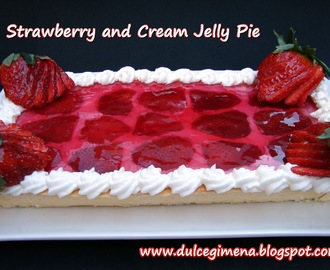 Strawberry and Cream Jelly Pie