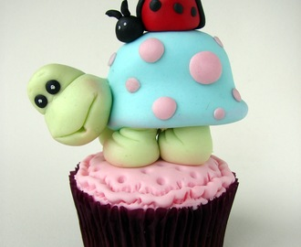Doble chocolate brownie and little turtle cupcake