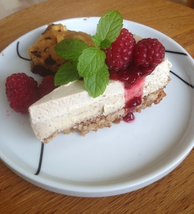 Cheese cake & Snickers cake - to skønne lchf lager