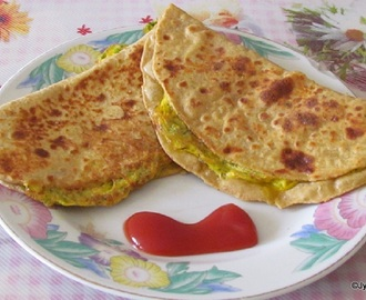 Ande Ka Paratha (Egg stuffed Pan fried Indian Bread)