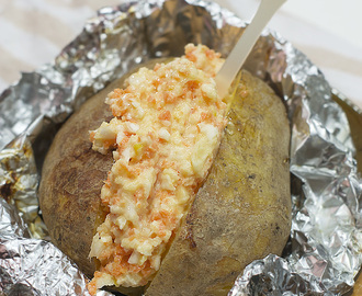 Jacket Potatoes with Coleslaw [Bonfire Night]. Receta