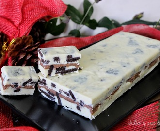 TURRÓN DE CHOCOLATE BLANCO CON GALLETAS OREO