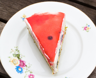Kaastaart met yoghurt en aardbeien // Cheesecake with strawberries