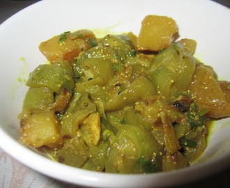 Janhi Aloo Posto / Ridge Gourd & Poppy seed curry