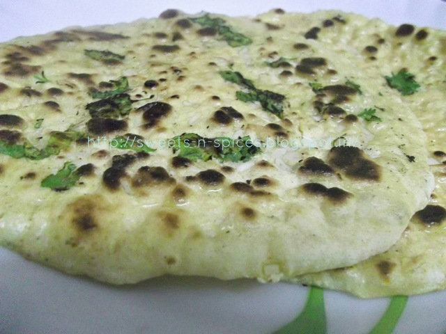 Tawa Garlic Butter Naan (Without Yeast)