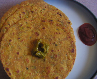 Red pumpkin paratha