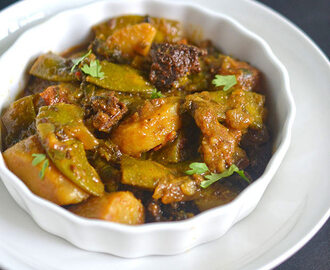 Sem phalli Aloo Vadi Sabzi | Broad Beans Potato Badi Curry