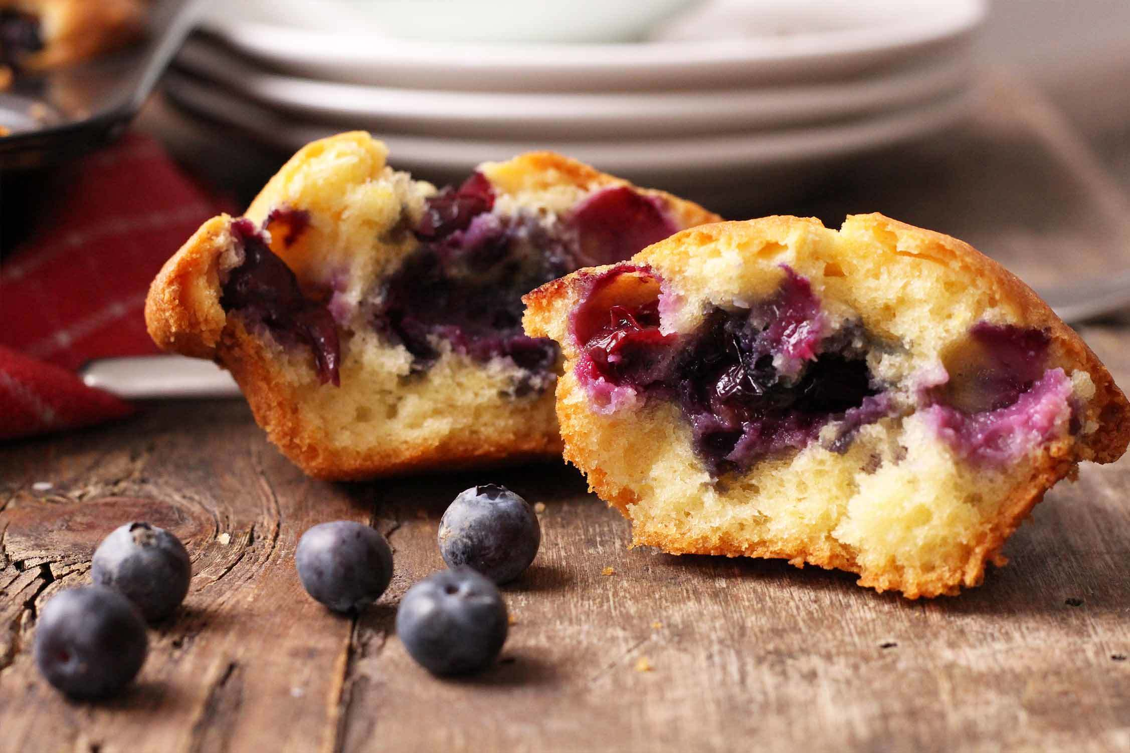 Fluffy blueberry muffins