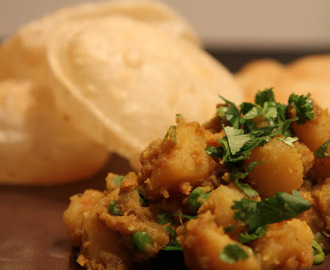 Phulko Luchi: Deep fried Flat bread