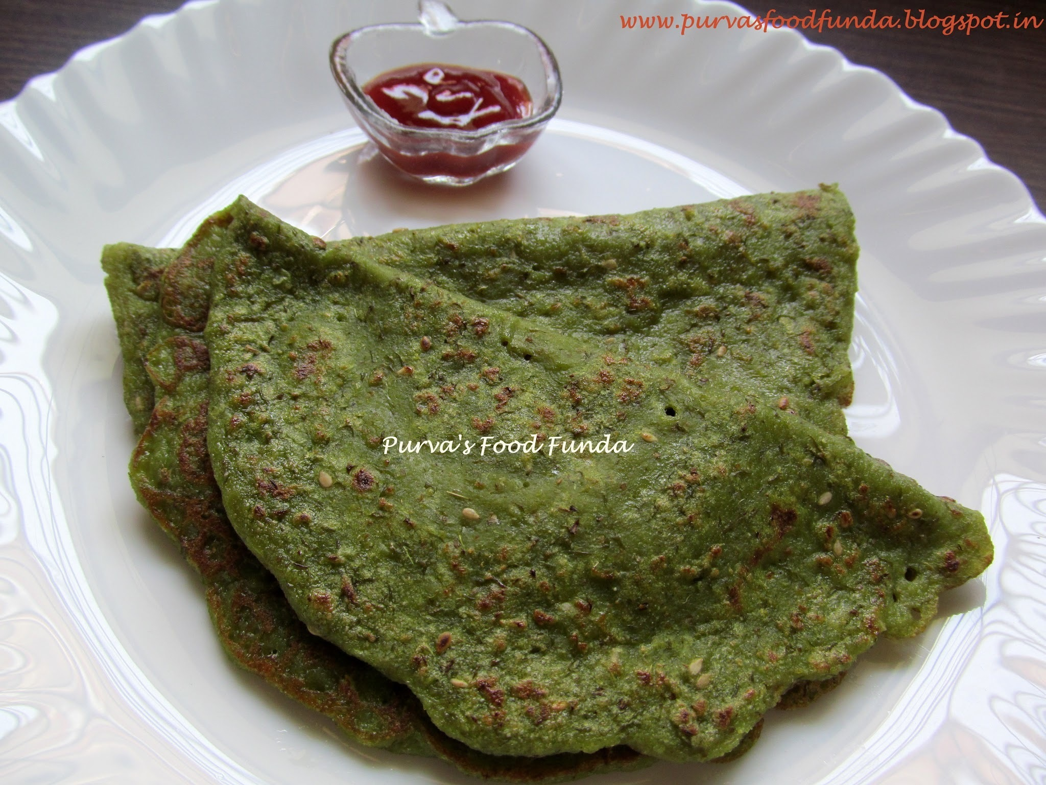 Spinach And Split Green Gram Pancake (Palak-Moong Dosa)