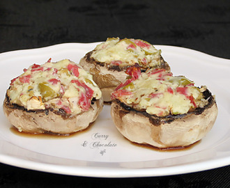 Champiñones rellenos de queso y salchichón de pavo – Stuffed mushrooms with cheese and pepperoni