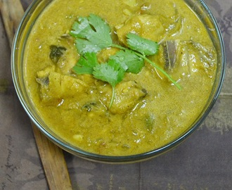 Kozhi Kurma - Chicken Kurma with Cashew Base