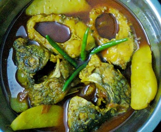 Kali Baush Fish (Orange-fin Labeo) Gravy/Kali Baush Mach Curry