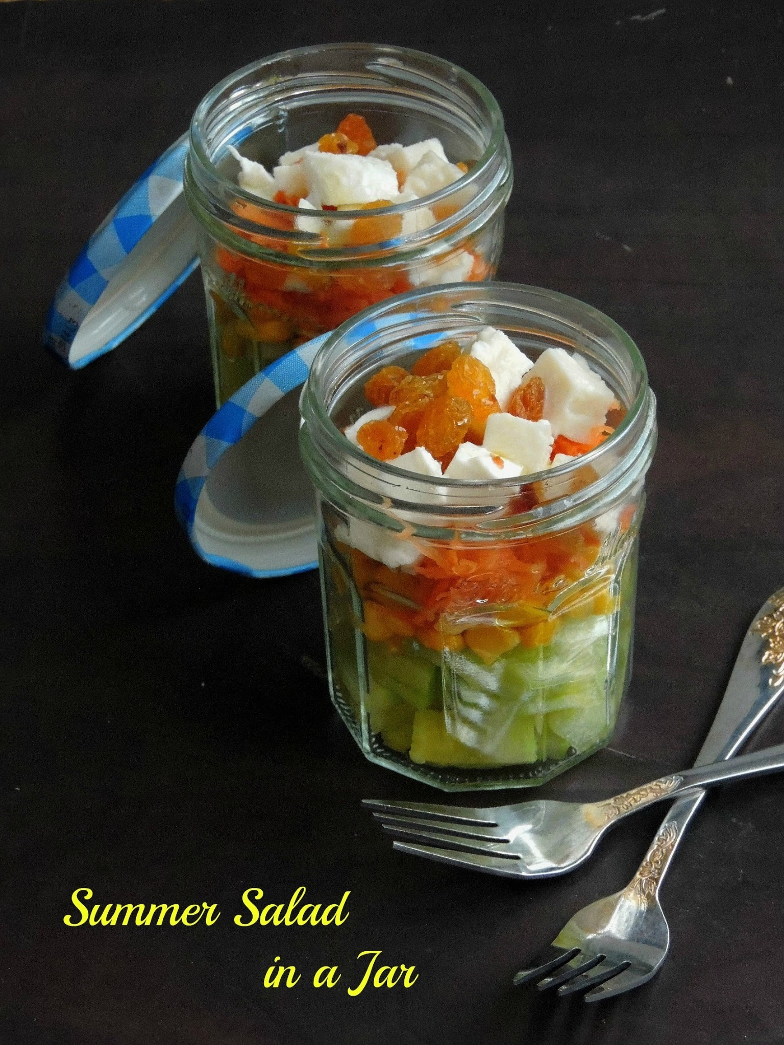 Summer Salad in a Jar/Mixed Vegetables & Mozzarella Salad
