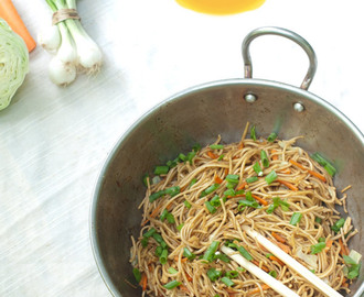 Vegetable Chow Mein – Stir fried Noodles the Indo Chinese way