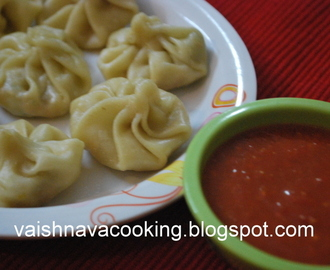 VEG DUMPLINGS (MOMOS) WITH SPICY TOMATO DIP
