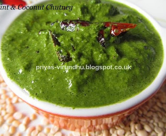 Mint Coconut Chutney/Pudhina Thengai Chutney [Side dish for Idlis & Dosas]