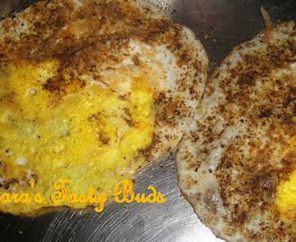 Muttai dosa / Egg with  crushed pepper