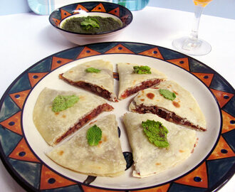 Kidney beans/Rajma Quesadilla or Stuffed Rajma Pizza