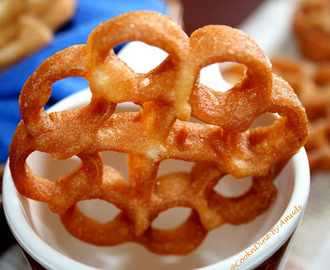 Achu Murukku/Rose Cookies (Eggless)