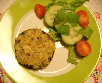 Mushrooms Stuffed with Leek and Cheese