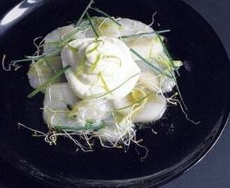 Chantilly au citron vert sur carpaccio de st jacques