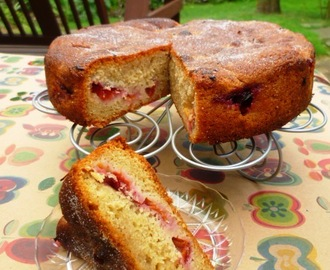 a glorious plum cake - with real plums!