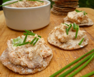 smoked salmon pâté with peter's yard crispbreads