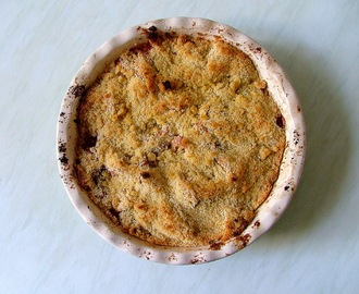 crumble de ruibarbo, maçã e porto / rhubarb, apple and port crumble.