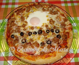Pizza de Alheira, Bacon e Ovo