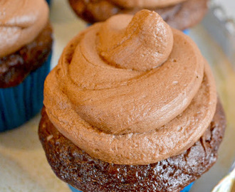Homemade Chocolate Cream Cheese Frosting