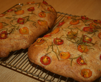Fresh Tomato and Rosemary Bread