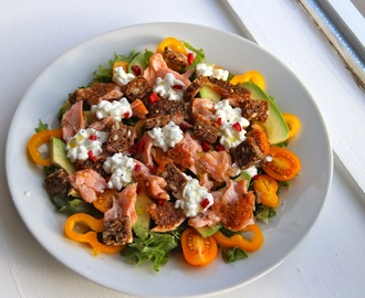 Avokado, Salmon & Cottage Cheese Salad